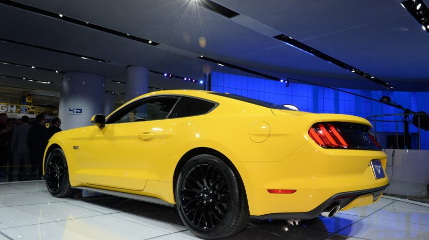купить форд мустанг 2015