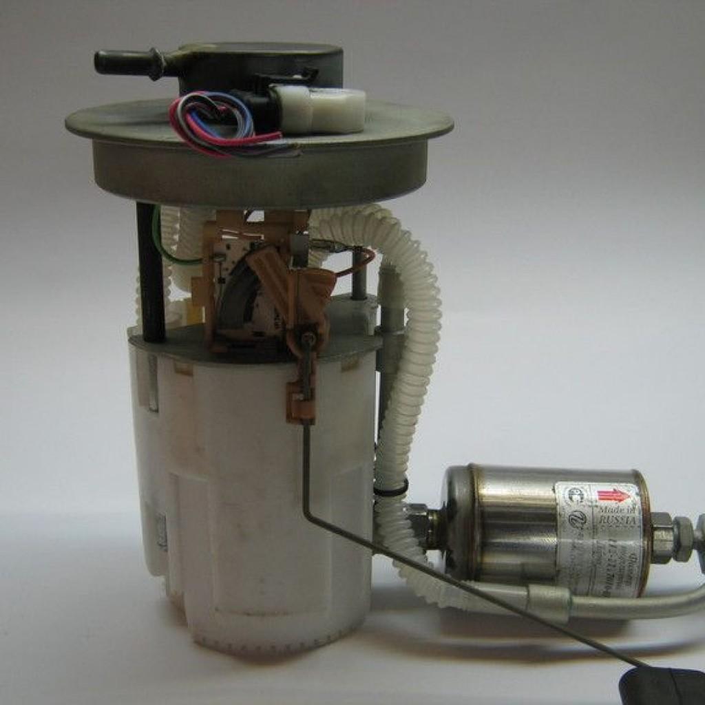 Как заменить топливный фильтр на Рено Дастер с двигателями ...