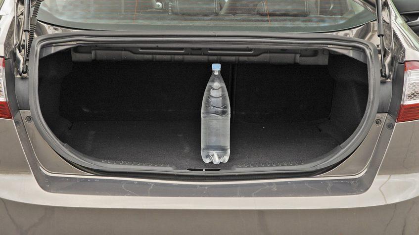 фото багажника форд мондео 4