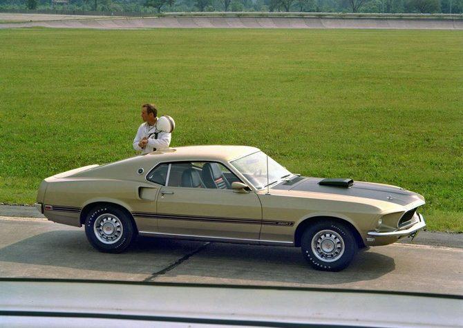первый форд мустанг фото